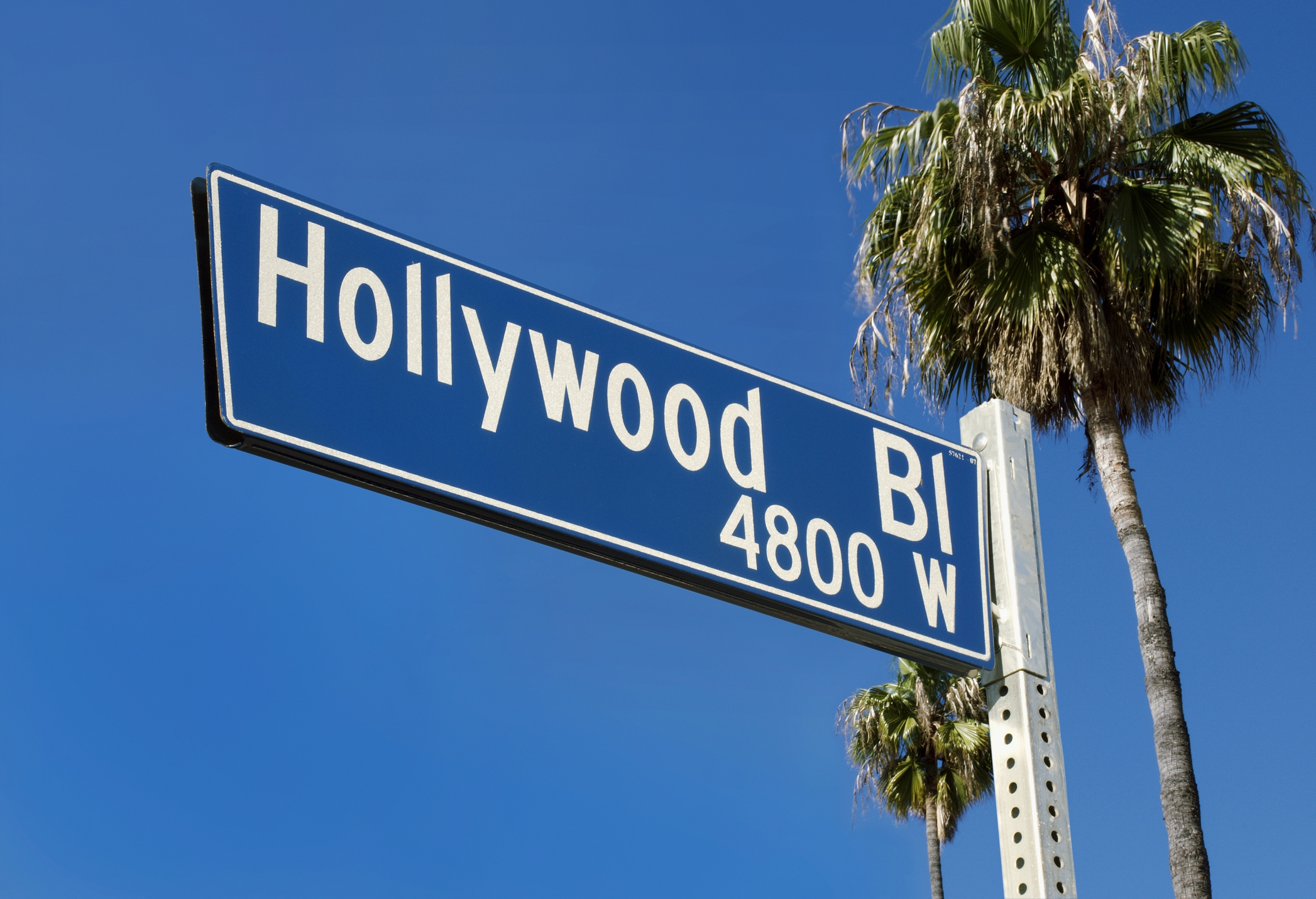 https://cursosdeinglesnoexterior.files.wordpress.com/2010/08/los_angeles_hollywood_street_sign.jpg